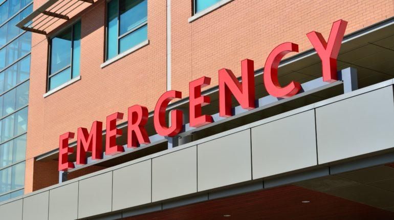 Dipartimento emergenza, insegna di ingresso di un ospedale