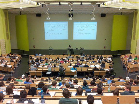 Università: platea di studenti
